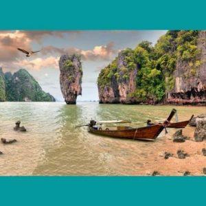 Balıkçı Teknesi Ve Dağ